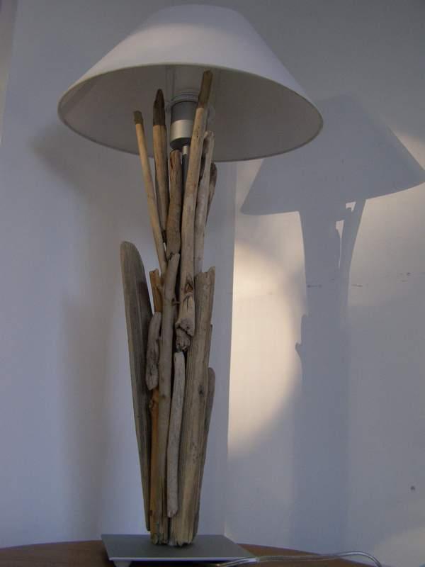 Quand fifi bricole une nouvelle lampe en bois flott for Creer sa lampe en bois flotte
